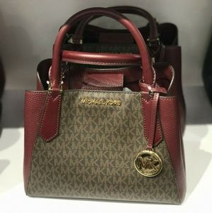 Michael Kors Kimberly Signature SM Satchel Bag